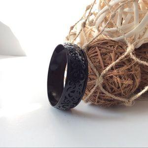 Beautiful Vintage filigree black bangle bracelet